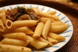 東西風榨菜鵝肝醬尖管麵