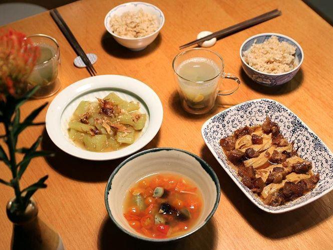 2017.07.11 ∼ 07.22 快手鮮爽,皮蛋燒湯